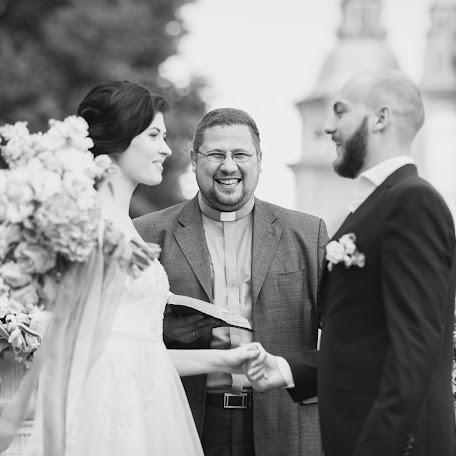 Wedding photographer Vladimir Savchenko (Kira3009). Photo of 15.11.2017