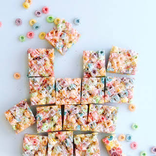 CEREAL MARSHMALLOW BARS.