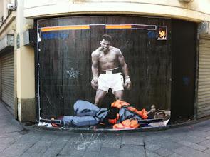 Photo: Muhammad Ali vs. Street Fighter - In Rue Saint-Denis, Paris, France