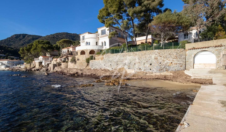 Propriété en bord de mer avec jardin Le Lavandou