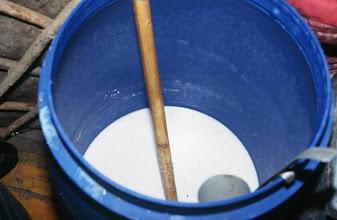 Photo: 03303 ハドブルグ家/乳製品作り