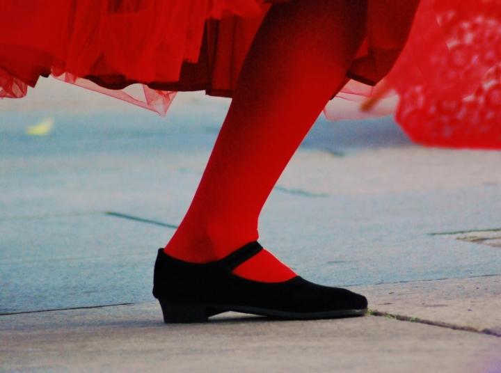 Dancing in red di lana