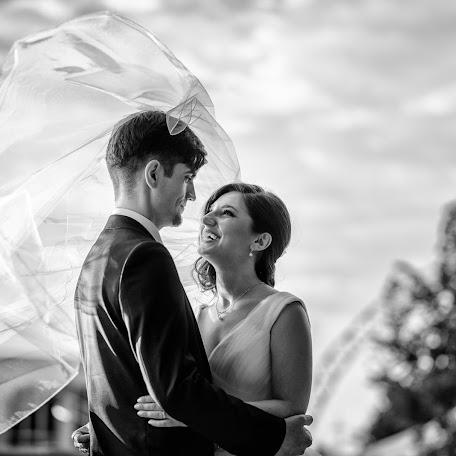 Wedding photographer Ionut Diaconescu (fotodia). Photo of 15.03.2017