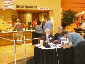 Photo: The registration line is nice and short just before it closed at 6pm on day 1.