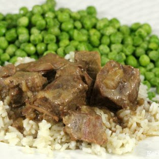 Easy Crockpot Beef Tips and Rice.