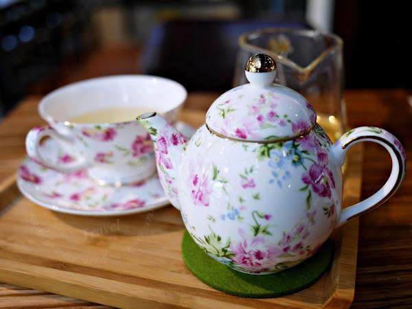 台中咖啡廳,幸卉文學咖啡 Nice to meet you,咖啡和茶都很好喝-台中文學館