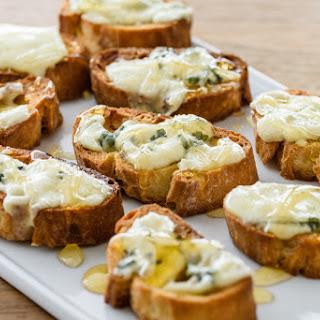 Bruschetta with Gorgonzola Cheese and Honey Recipe
