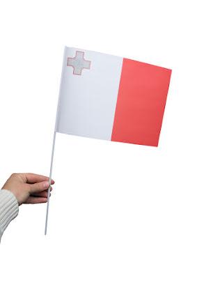 Pappersflagga, Malta