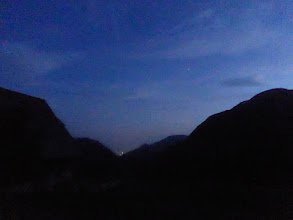Photo: Abendlicher Talblick mit erstem Stern