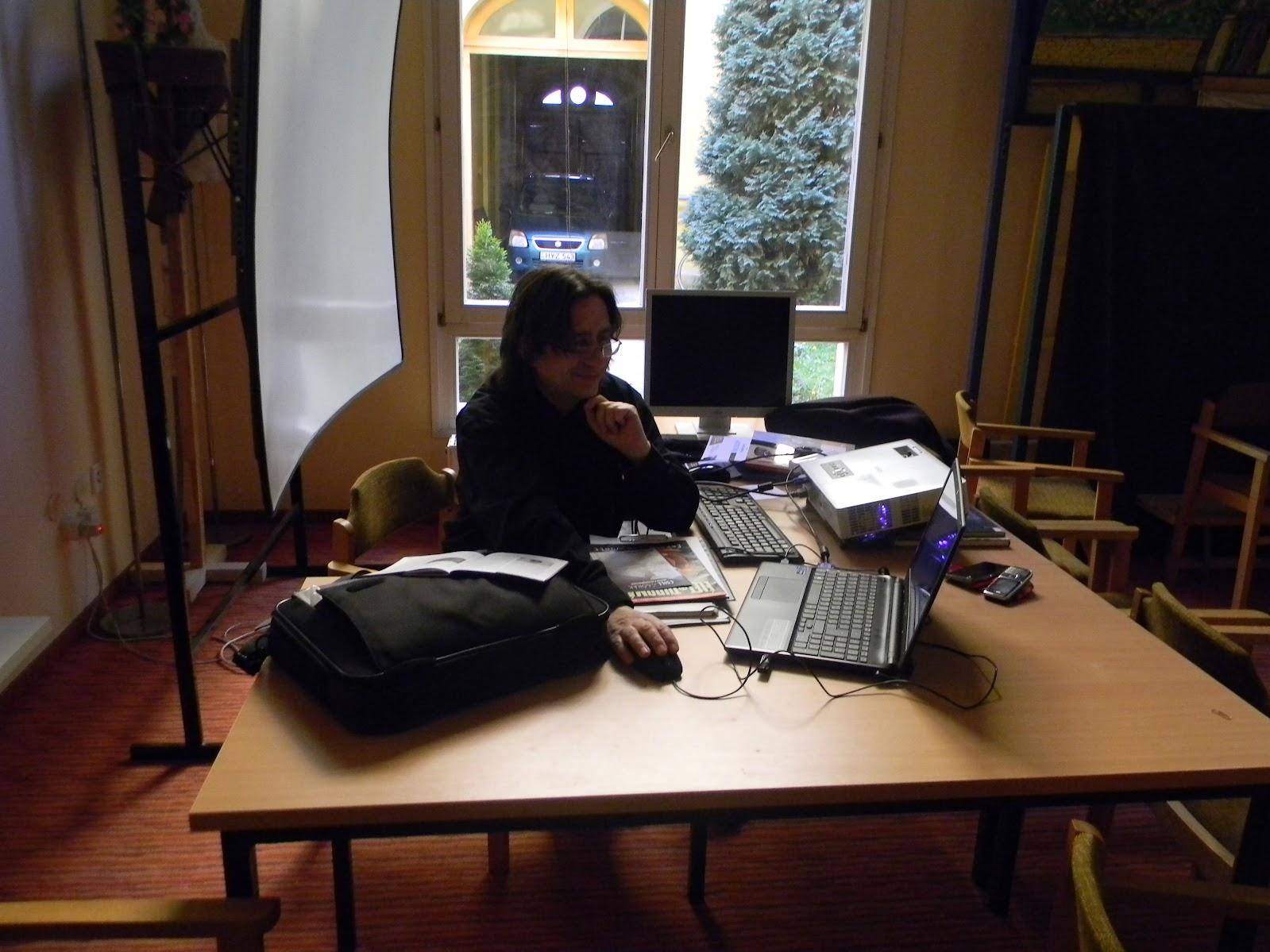Ujlaki Csaba laptopjával