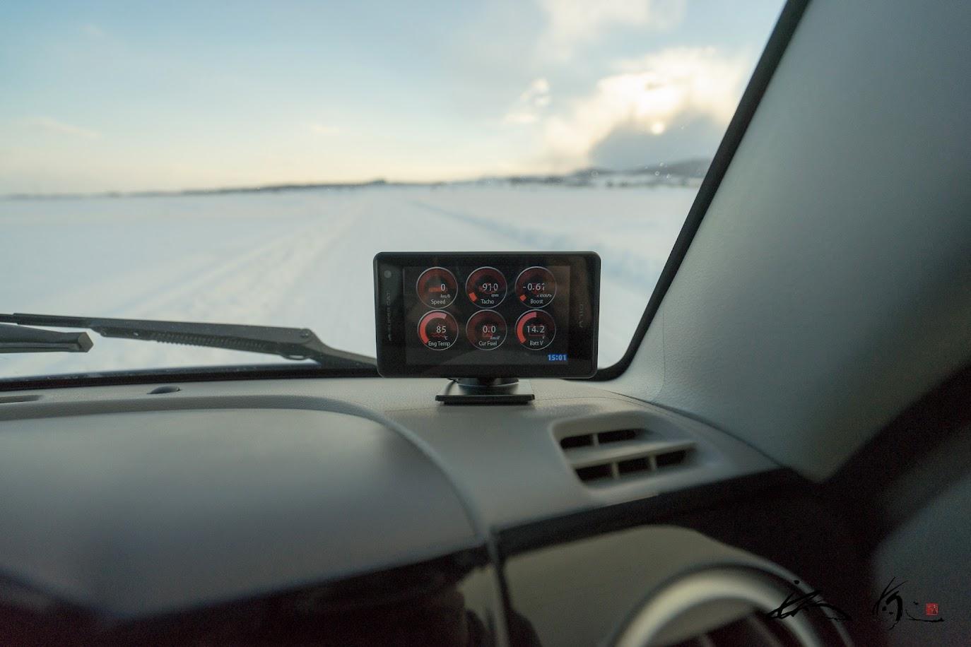 レーダー探知機OBDセット(ユピテル社製A710)・待受画面は車両情報 左上より:速度・回転数・ブースト圧、左下より:水温・瞬間燃費・電圧