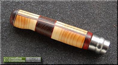Photo: Opinel custom n°027 Wengé, padouk, if. http://opinel-passions-bois.blogspot.fr/ Personnalisations en marquèterie de bois précieux, cornes, résines et aluminium du couteau pliant de poche de la célèbre marque Savoyarde Opinel.
