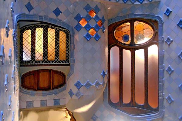 Finestre di Casa Batlló di GVatterioni