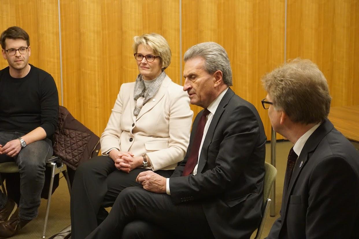 sowi-lks-diskutieren-mit-eu-kommissar-oettinger