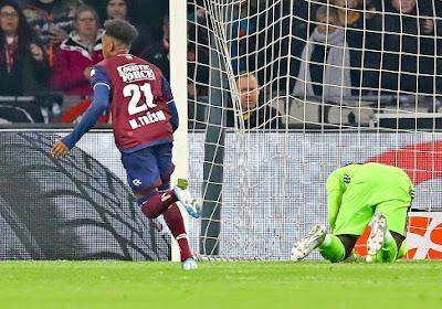 """Rafael van der Vaart ziet Belg als opvolger Ziyech: """"Wat een speler!"""""""