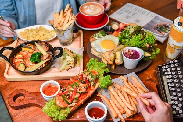 好堅果咖啡Heynuts Café:台中西區美食-隱身在精誠商圈裡的老宅特色早午餐咖啡廳!