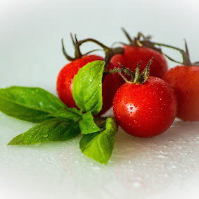 Cherry tomato by Vaska Grudeva - Food & Drink Fruits & Vegetables (  )