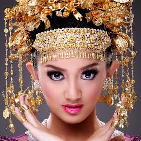 Sriwijaya Wedding Culture by Yudi Leonardo - People Fashion
