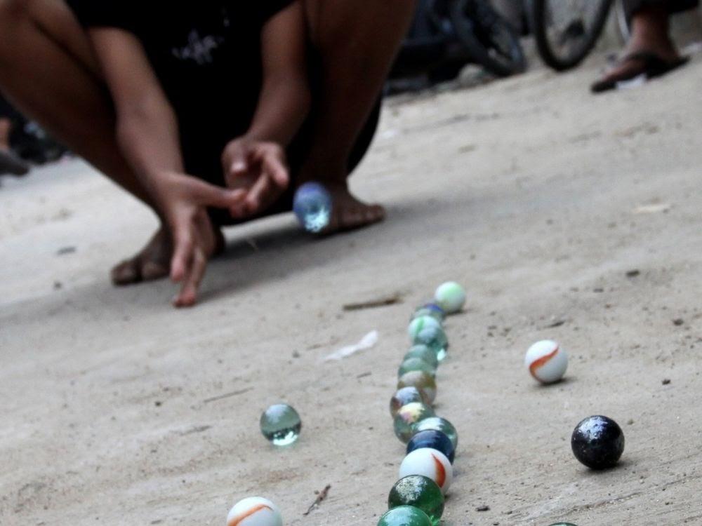 Kelereng / Gundu (Marble) traditional game
