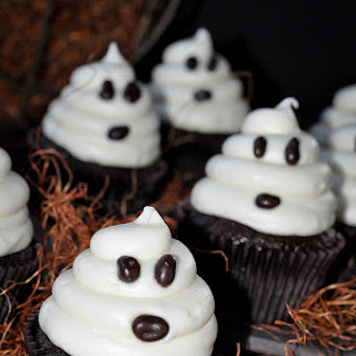 Fast and Easy Halloween Cupcakes
