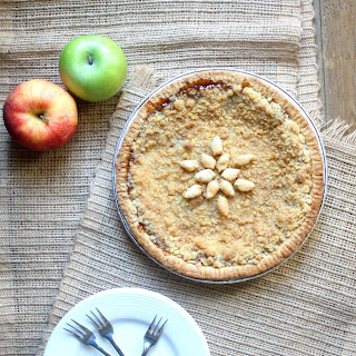 Apple Crumble Caramel Pie.