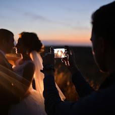 Wedding photographer Artem Grebenev (Grebenev). Photo of 20.10.2017