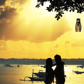 Love at lembongan by Hanz Photophoto - People Couples