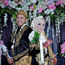 Layla wedding 1 by Agus Mahmuda - Wedding Bride ( bride, traditional, ceremony, layla, wedding, reception, indonesia )