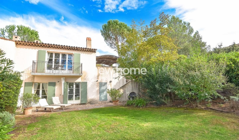 Villa avec piscine et terrasse La Motte