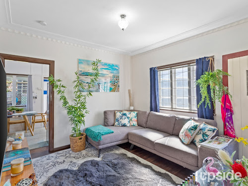 Photo of property at 21 Long Street, Camp Hill 4152