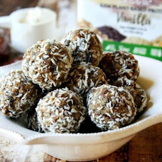 Raw Vegan Apricot and Date Protein Truffles (Raw, Vegan, Gluten-Free, Dairy-Free, Paleo-Friendly, No Refined Sugar).