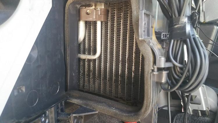 ハイエース TRH112Vのエアコン,エバポレーター洗浄,ハイエース100系に関するカスタム&メンテナンスの投稿画像5枚目