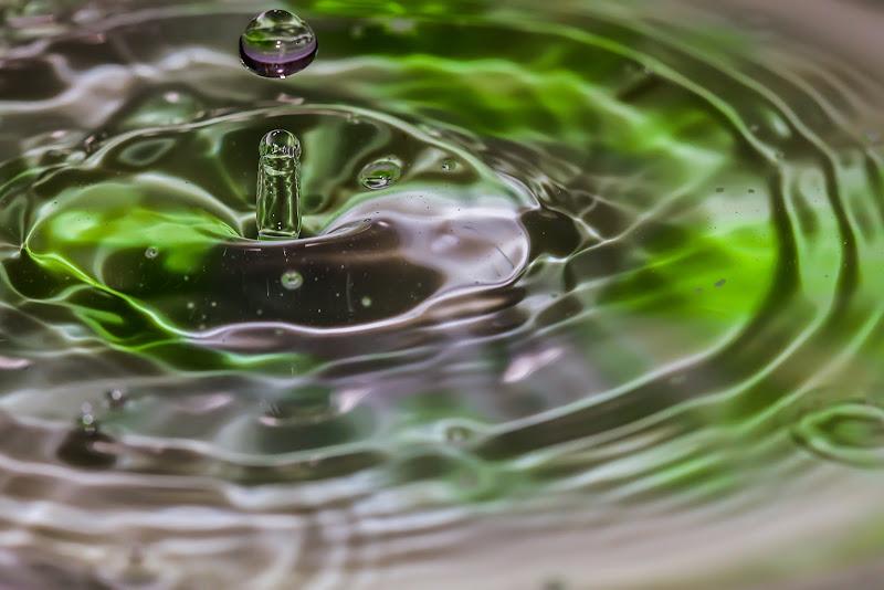 La semplicità di una goccia d'acqua. di valerio_grazioso