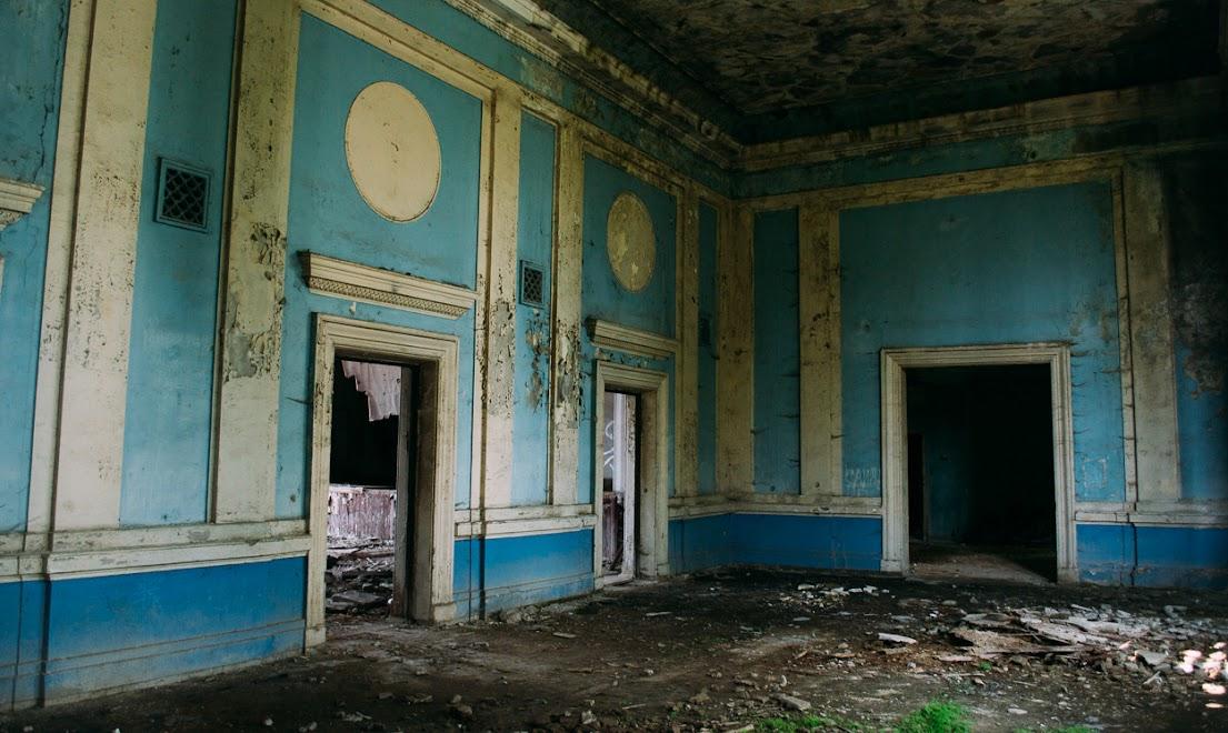 Заброшенные дома, Сухум