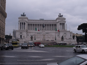 Photo: The Monumento Nazionale a Vittorio Emanuele II, from Piazza Venezia.