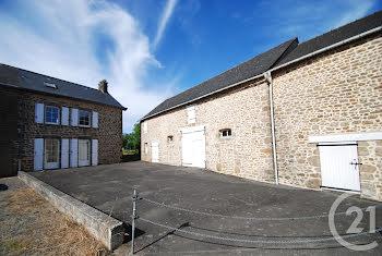 maison à Le Housseau-Brétignolles (53)