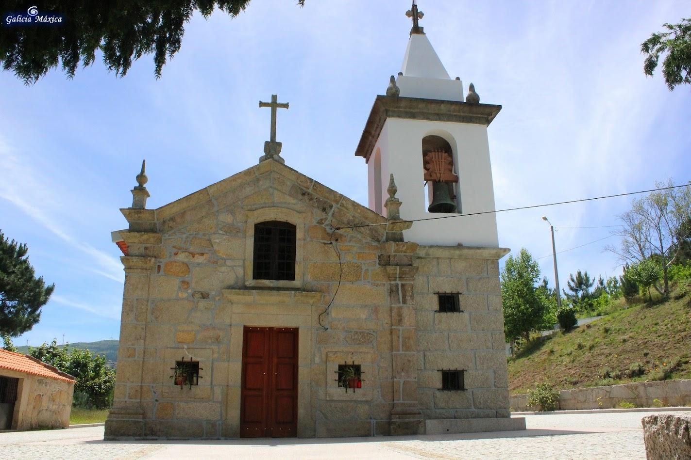 Frontal de la iglesia