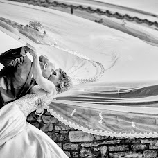 Wedding photographer Roberto De riccardis (robertodericcar). Photo of 18.07.2018