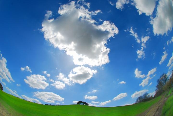 Il cielo intorno a noi di si
