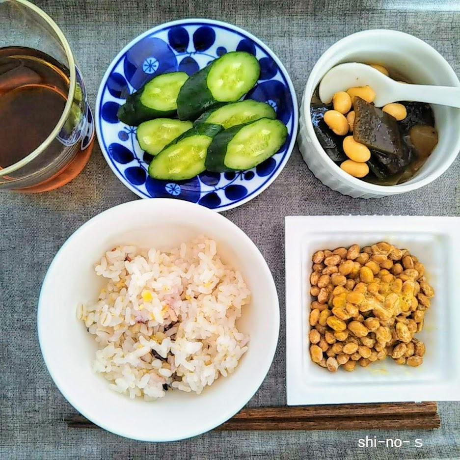 納豆、五目豆などお昼ご飯