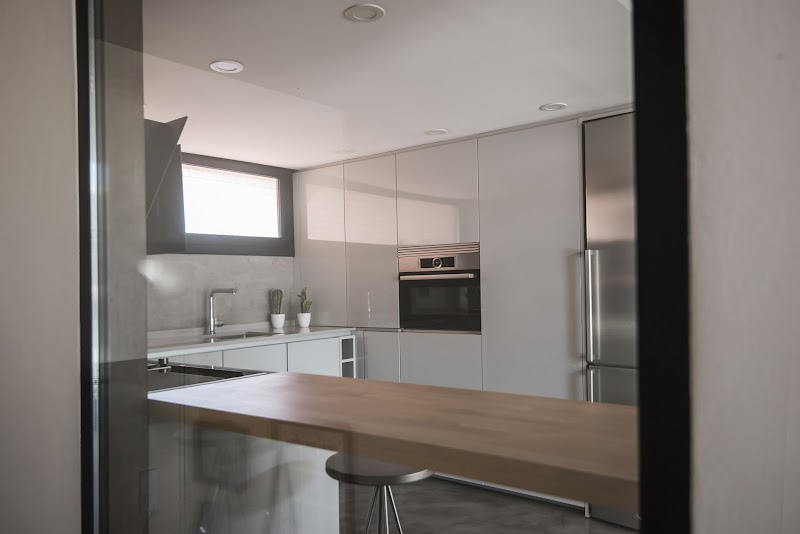 Cocina diáfana y sin obstáculos visuales - Santos Maragall