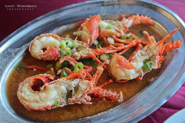 龍蝦一隻300有找!超人氣便宜新鮮爆CP值還有無敵海景!|055龍蝦海鮮餐廳