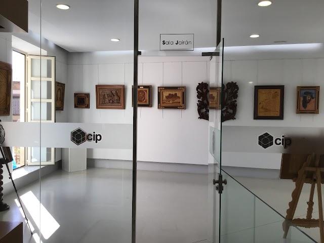 Sala del CIP donde piden que se recuerde la cultura sefardí.