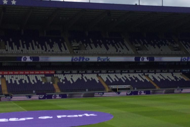 🎥 OFFICIEEL: Anderlecht doopt zijn stadion om naar Lotto Park met ritje door de geschiedenis