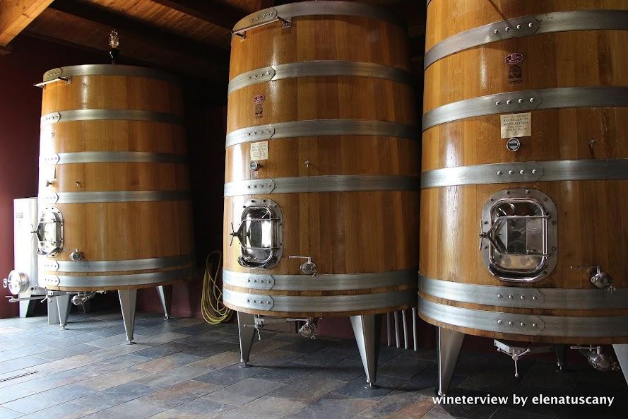 slavonian oak barrels, oak barrels, oak wine,