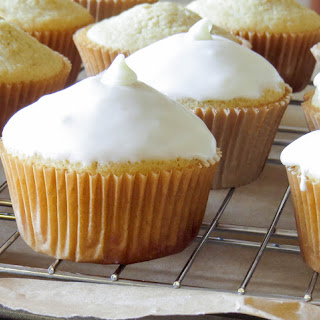 Gluten-Free Lemon Cupcakes with Lemon White Chocolate Icing