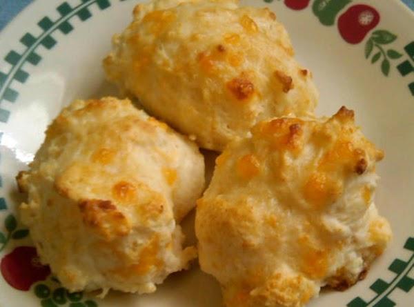 Cheddar Garlic Biscuits Recipe