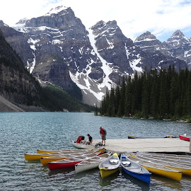 Moraine lake, Canada by Luis Felipe Moreno Vázquez - Transportation Boats ( mountains, canada, boats, lake, forest )