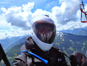 Photo: ein glücklicher Pilot nach überstandener Taxenbachquerung