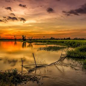 Circular sunset by Liquid Lens - Landscapes Sunsets & Sunrises